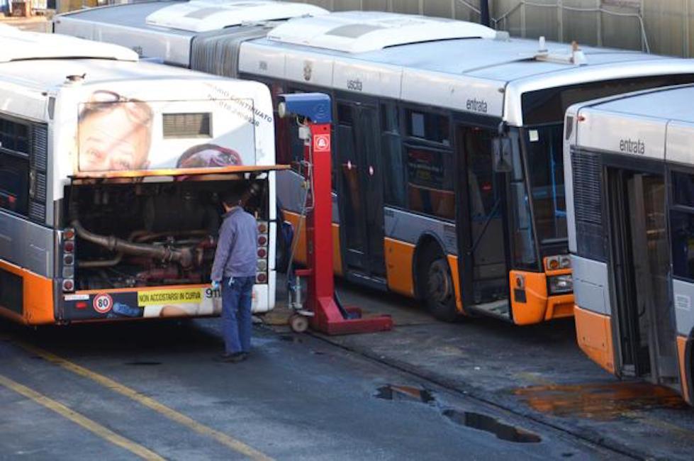 AMT_ rimessa delle Gavette, autobus rotti in manutenzione